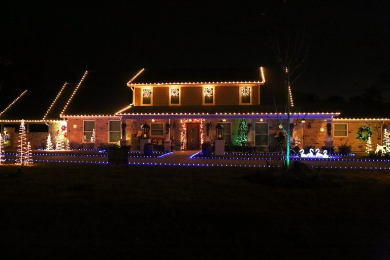 3 Tips for Hanging Christmas Lights Without Damaging Your Roof